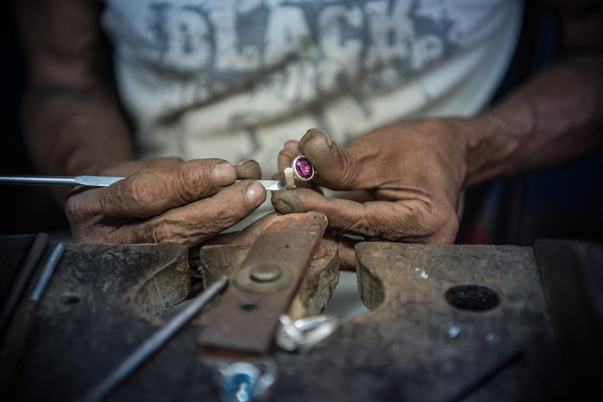 Diamantarbeit Sri Lanka / Pixabay