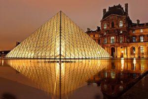 Louvre Paris / Pixabay