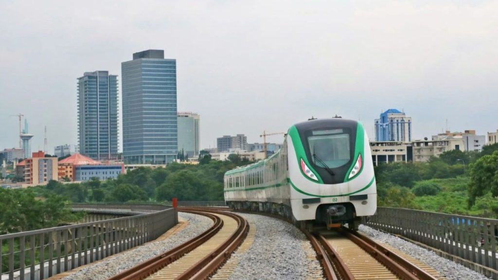 High-speed train connection between Lagos and Ibadan / GrowExpress