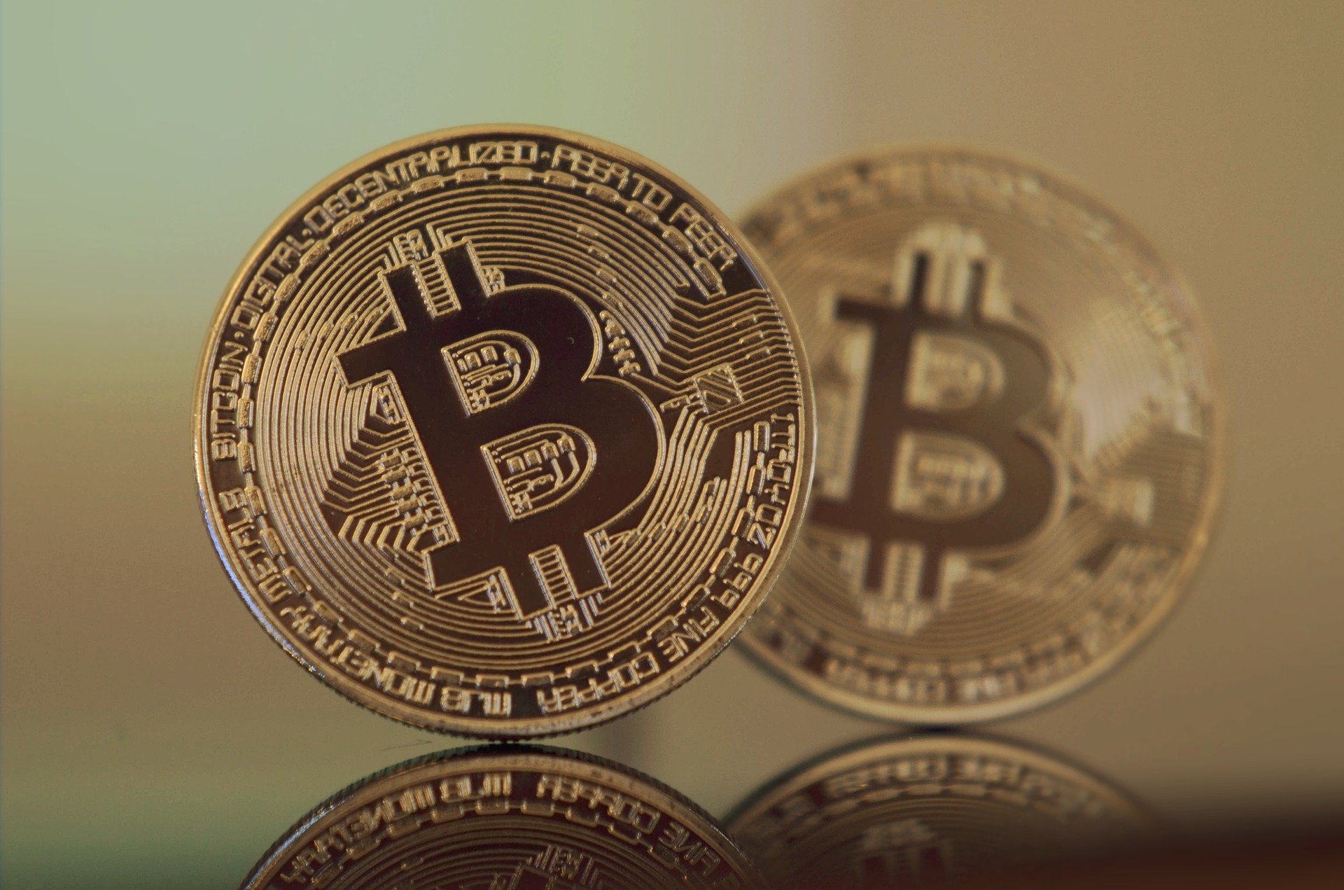 Gold and cryptocurrency: tokenization of precious metals / Pixabay