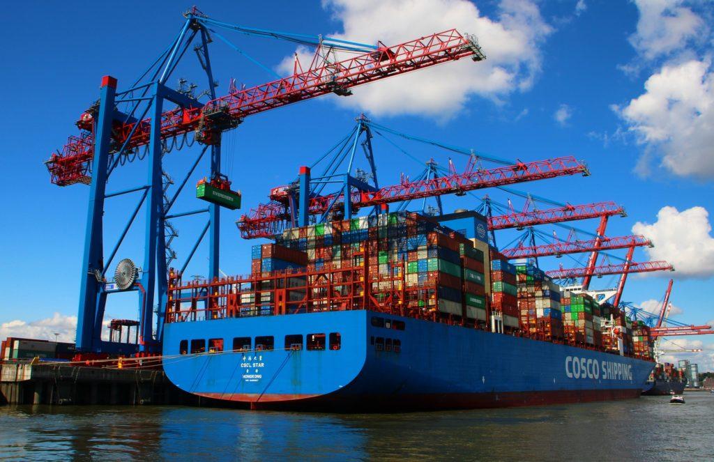 Seit Januar 2021 ist die in Kraft getretene Afrikanische AfCFTA mit 1.3 Mrd Menschen und US$ 3.4 Billionen GDP, eine der größten Freihandelszonen weltweit.