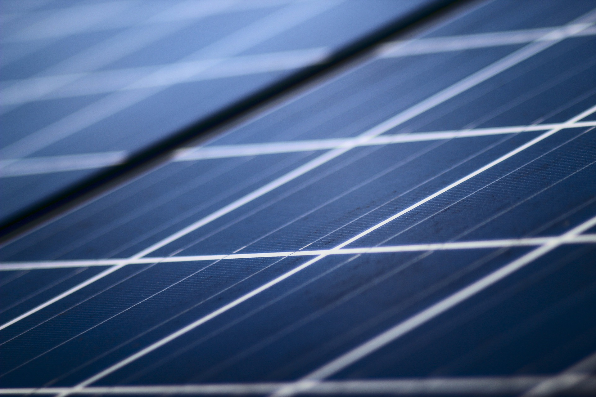 Zur Sonne - Photovoltaik / Pixabay