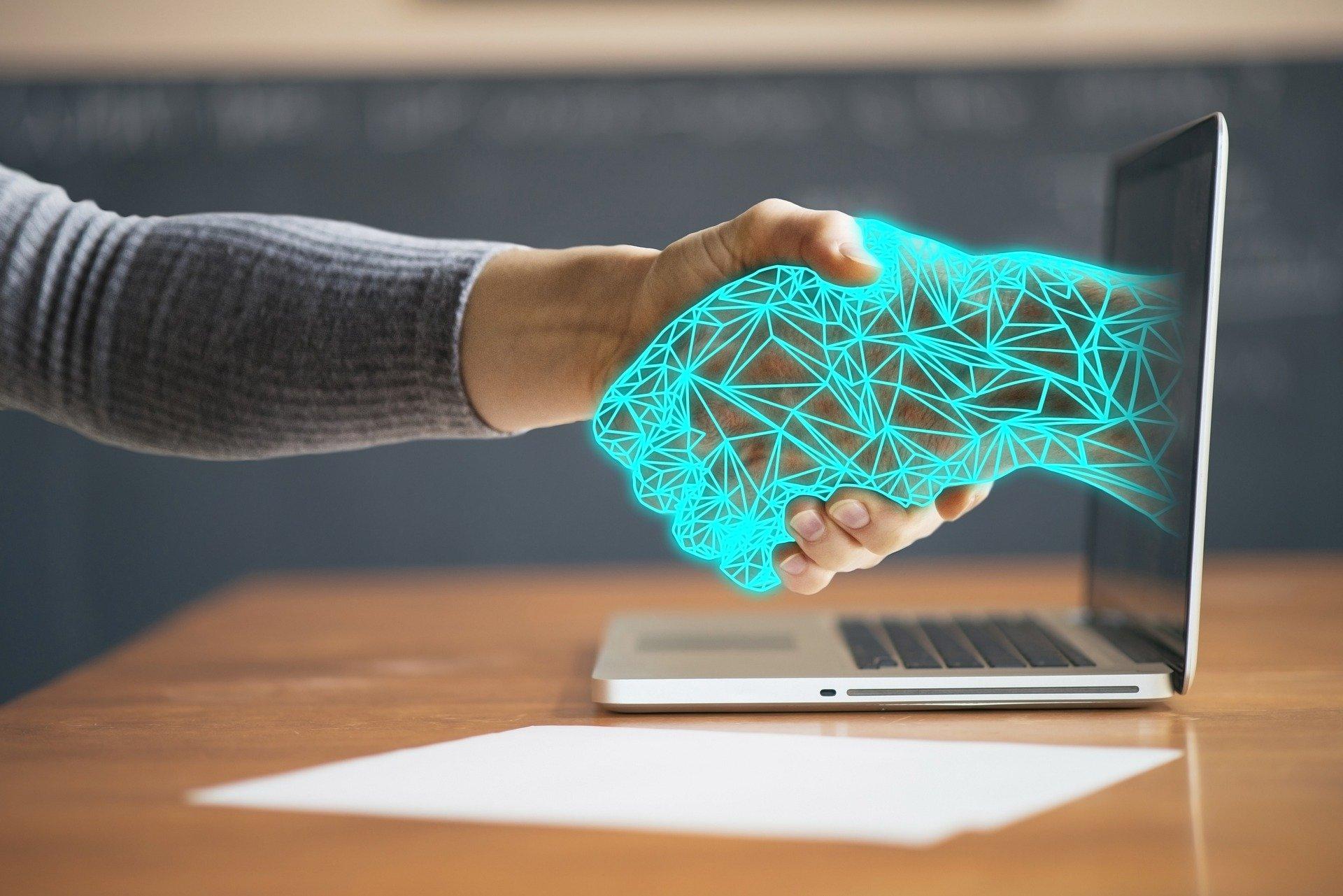 Künstliche Intelligenz / Pixabay - Kollege Computer übernimmt