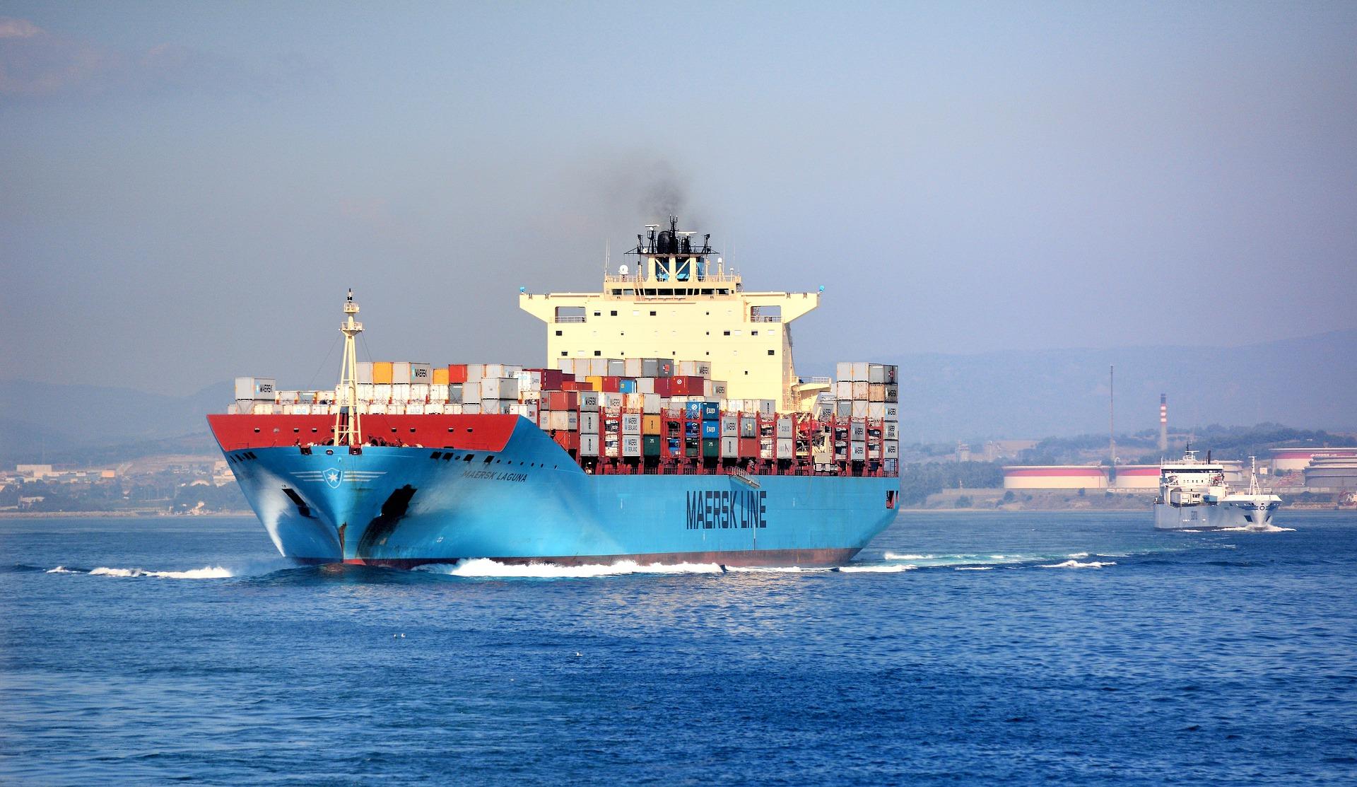 Catene di approvvigionamento: Processi di trasporto, stoccaggio e distribuzione / Free-Photos