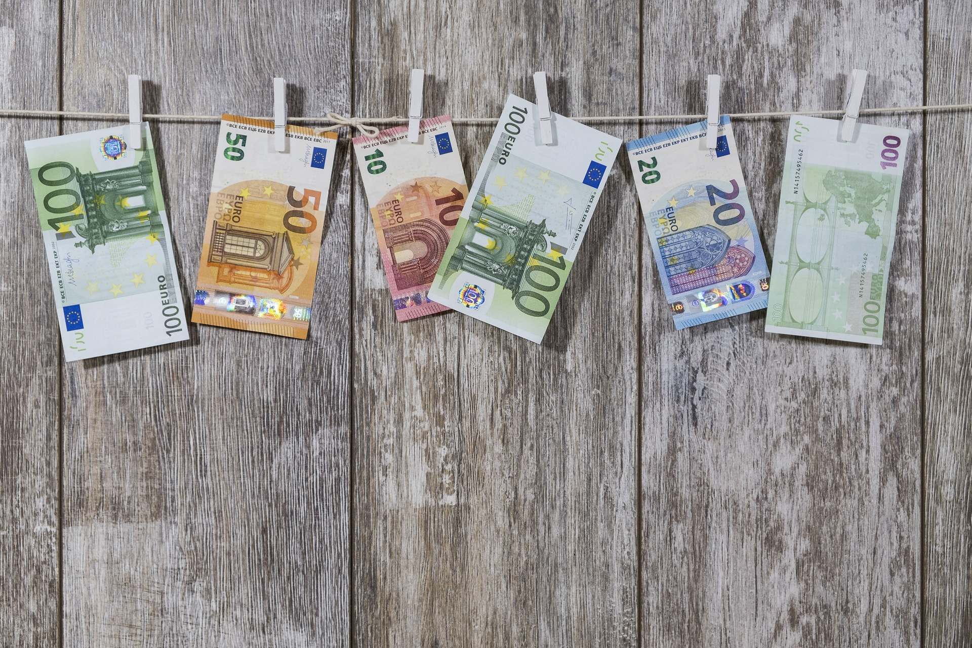 L'e-euro - portafoglio virtuale - il mondo sta cambiando - valutazioni e opinioni