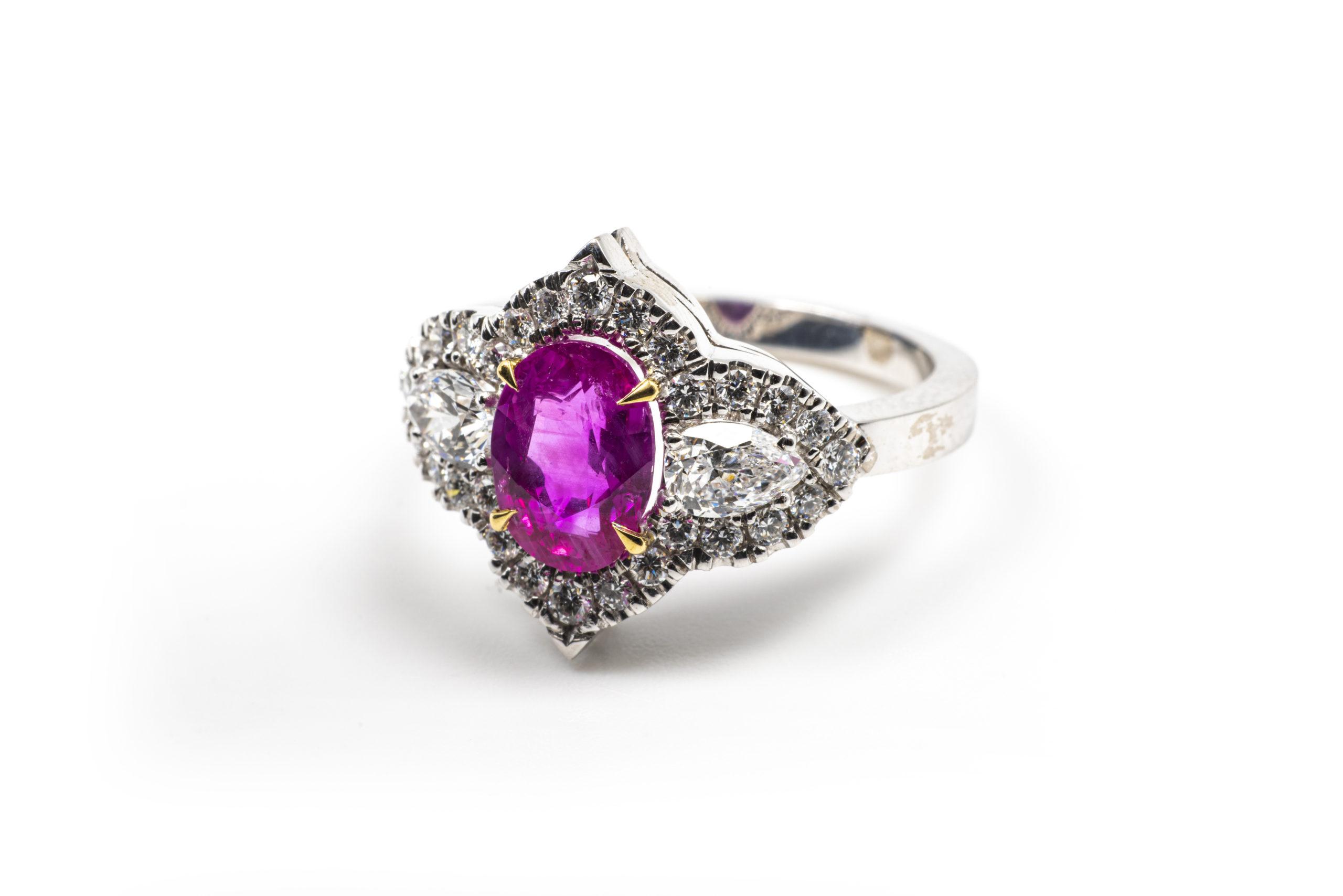 Corundum: the mineral of the precious king stones
