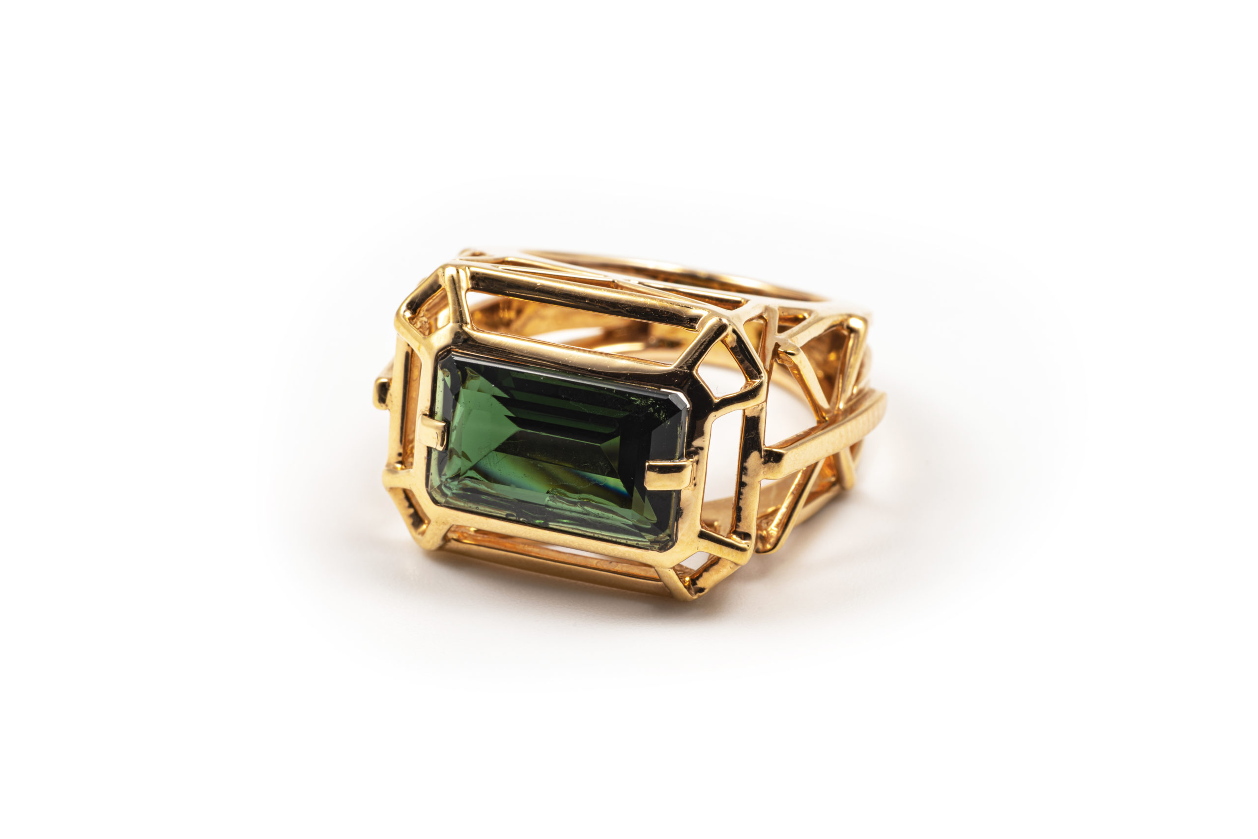 Colored gemstones as an investment - invest in your twenties