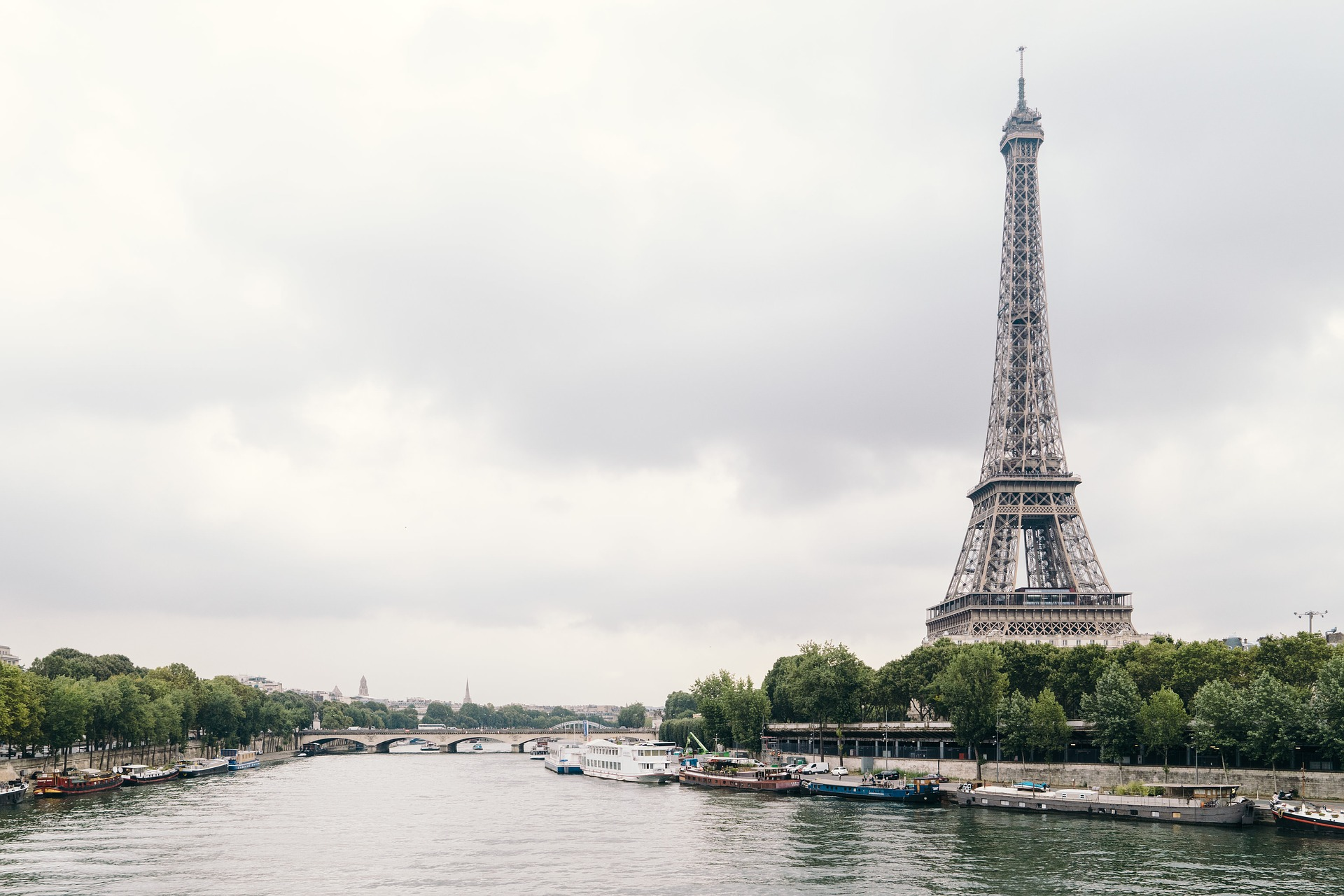 Moving to Paris during a pandemic- key considerations