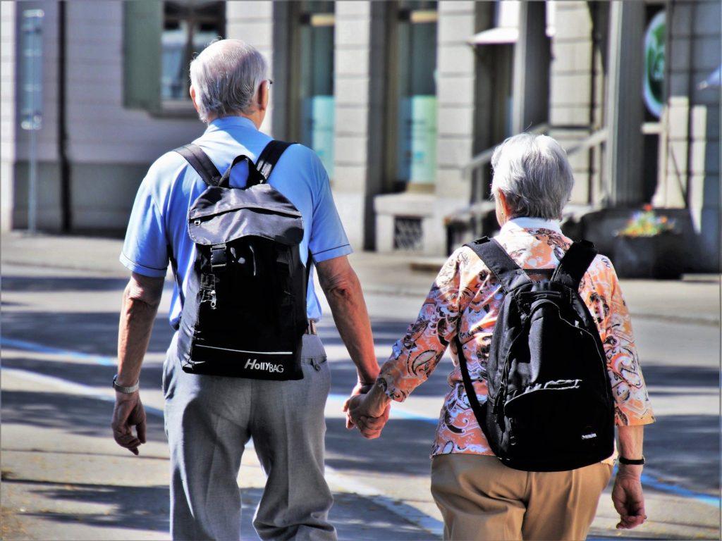 BAG Entscheidung: Mindestlohn steht  ausländischen Pflege- und Haushaltshilfen zu